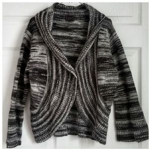 COLOUR WORKS gray open front chunky shrug sweater
